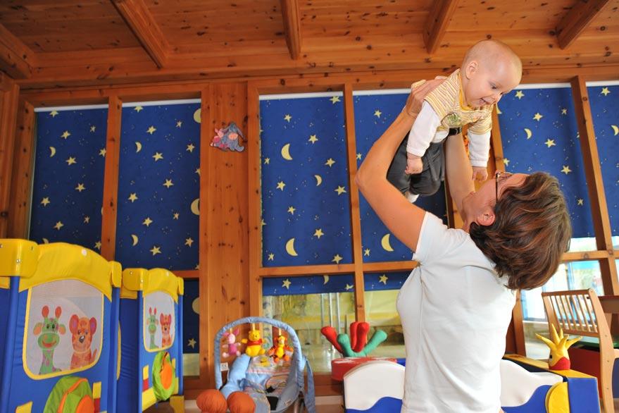 Babybetreuung im Babyhotel Egger in Salzburg