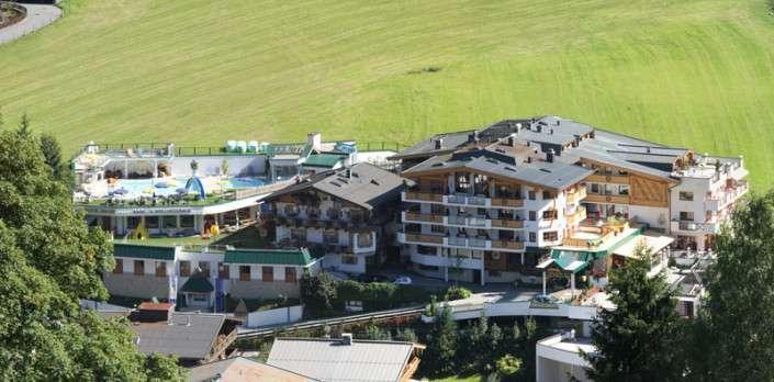 Das Hotel Egger in Mitten grüner Wiesen