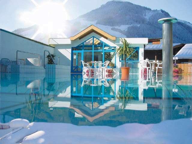 Winterpool im Wellnesshotel Egger Saalbach Hinterglemm