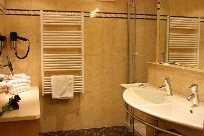 Unterkunft in Saalbach Hinterglemm: Badezimmer Juniorsuite