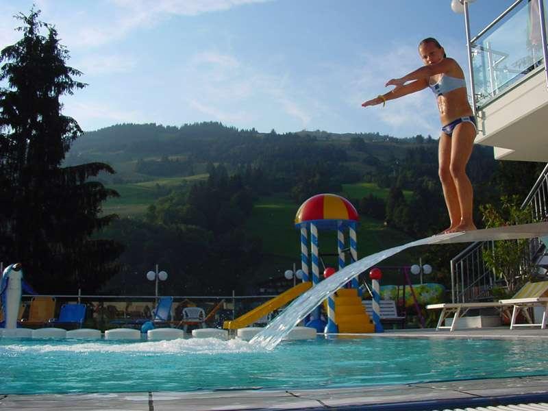 sprungbrett-pool